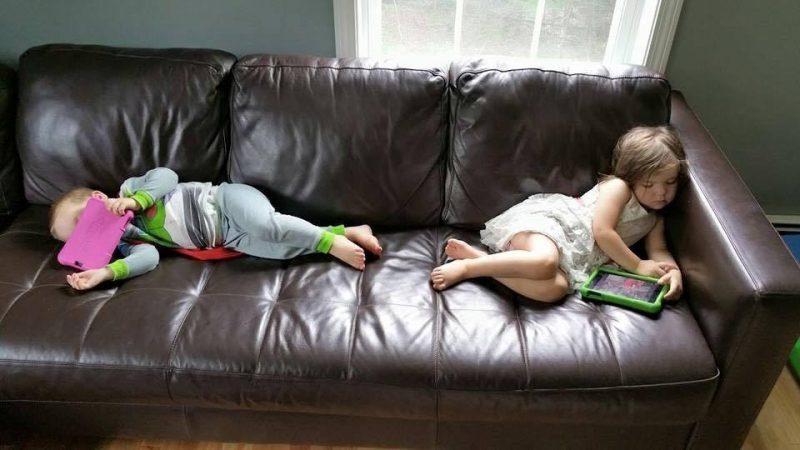 12 Hilarious Photos that Prove Kids will Sleep Anywhere, 13567347 10209819629515754 479037010958064578 n 800x450%, 2-3%