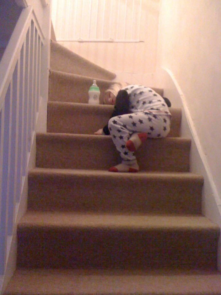 12 Hilarious Photos that Prove Kids will Sleep Anywhere, 13600119 1098880306842759 2637860226378876907 n%, 2-3%
