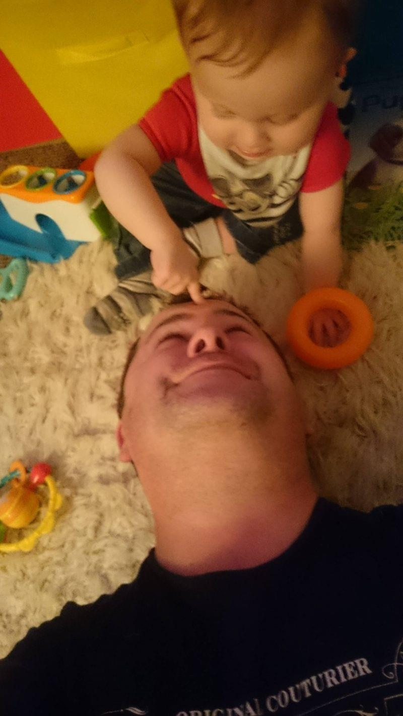 50 Honest selfies that sum up what it's like being a dad, DSC 0406 800x1422%, daily-dad%
